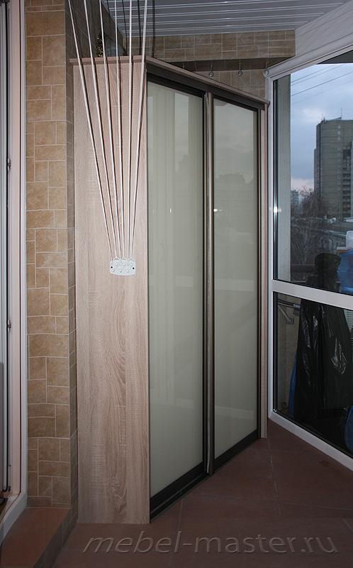 Угловой шкаф-купе на балкон.
